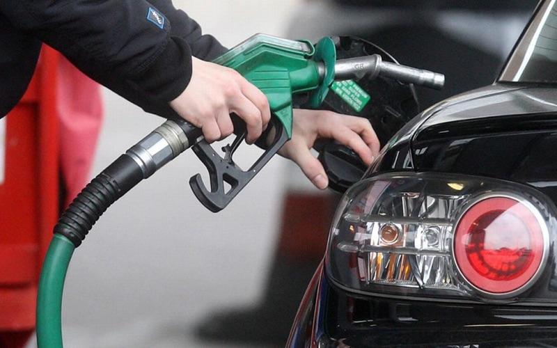 Avoid Using Mobile Phones at Petrol Pumps